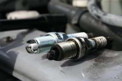 Замена свечей автомобиля